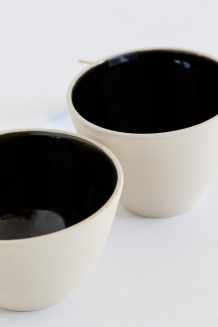 hand-formed ceramic glazed bowls by Frankie